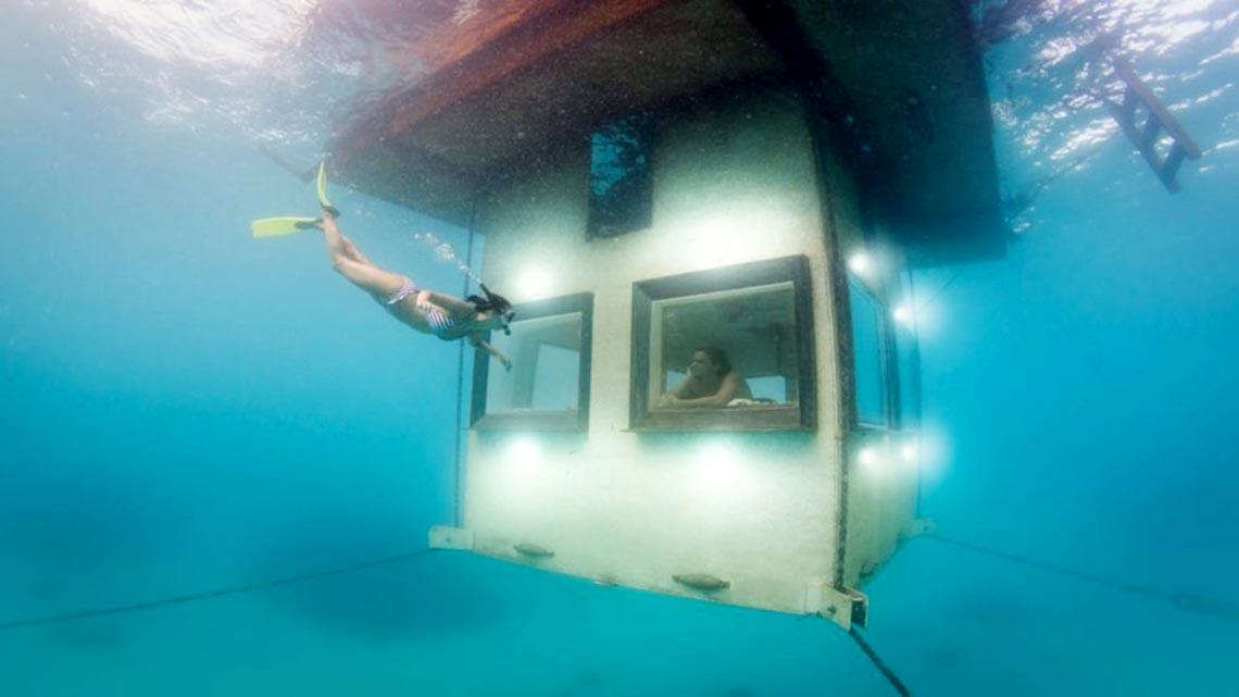 Ngồi trong phòng ngắm cảnh dưới biển -11