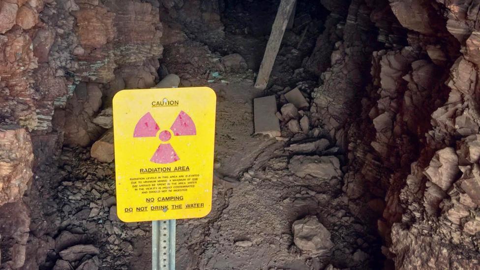 Phần đông trong chúng ta cố gắng tránh né những khu vực cảnh báo có phóng xạ