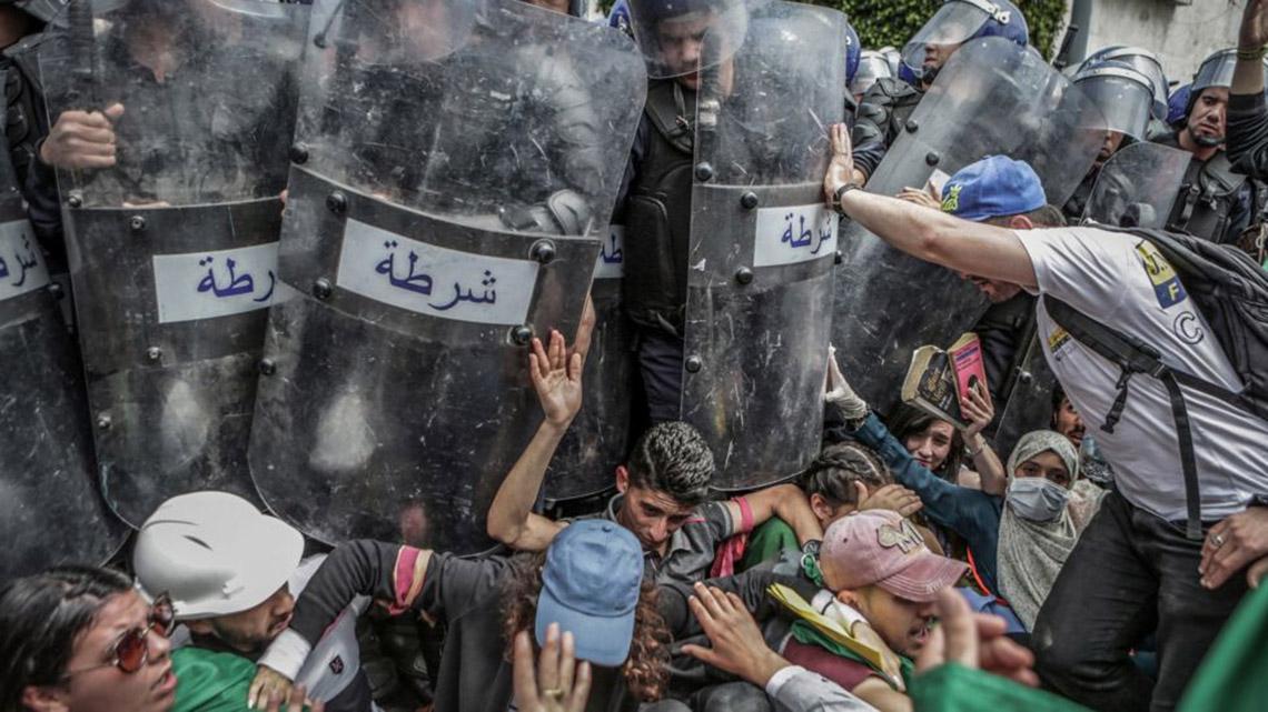 Phóng viên Nhật đoạt Ảnh của năm Giải ảnh báo chí thế giới với cuộc nổi dậy ở Sudan -2