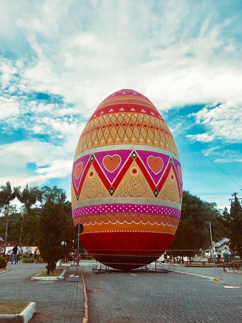Quả trứng phục sinh được trang trí lớn nhất thế giới -2