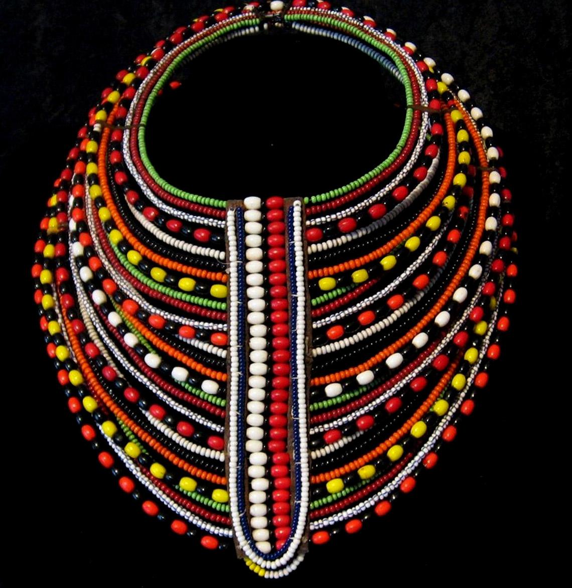 Rực rỡ vòng hạt Maasai -10