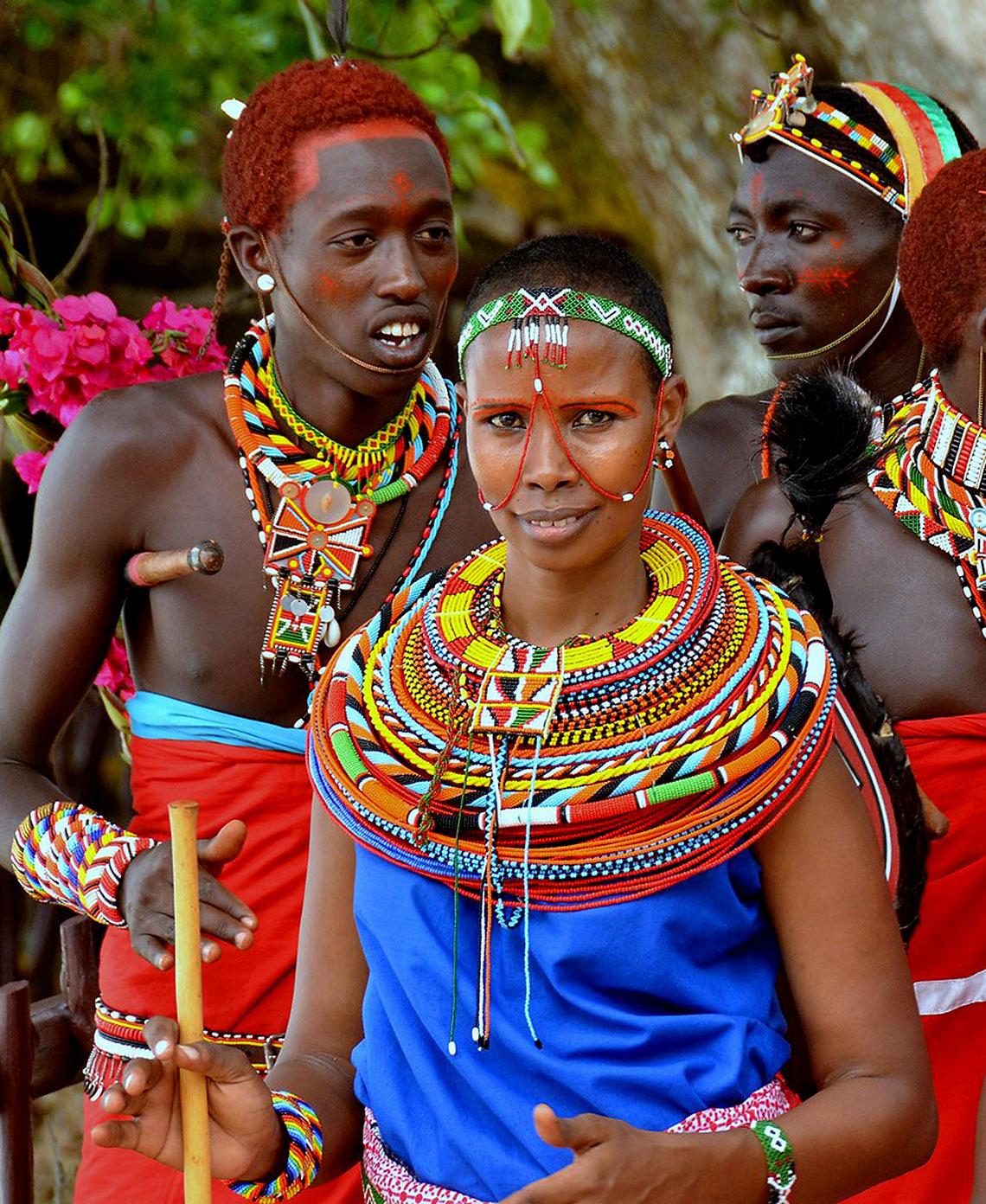 Rực rỡ vòng hạt Maasai -15