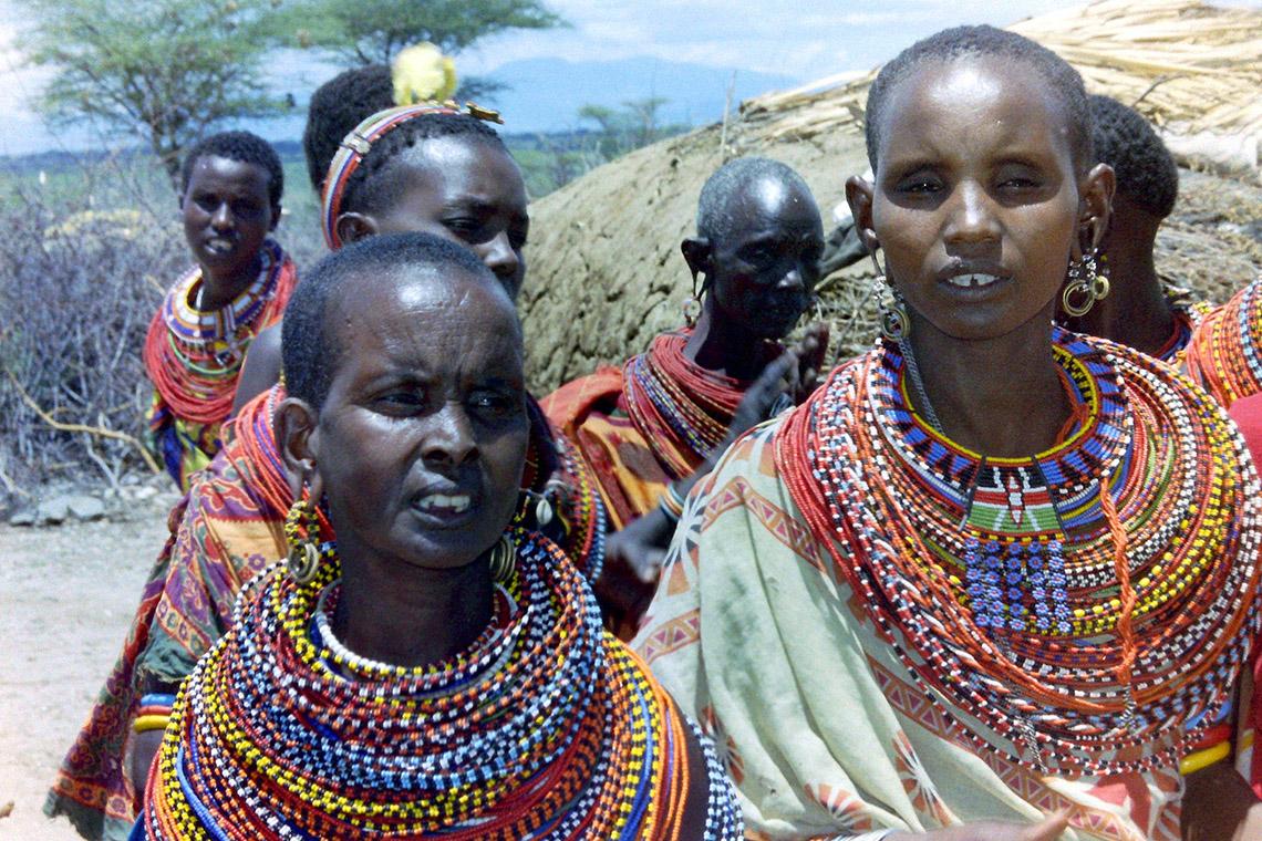 Rực rỡ vòng hạt Maasai -16