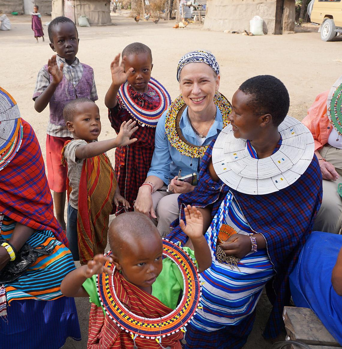 Rực rỡ vòng hạt Maasai -17