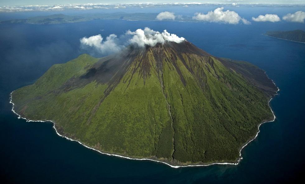 Núi lửa Ambrym - Top 10 tour du lịch ảo mùa dịch COVID-19 - 01