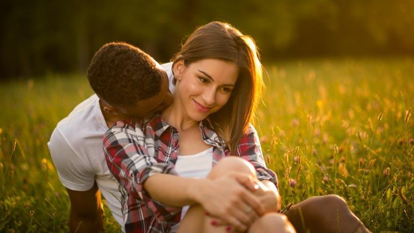 Ý nghĩa thực phía sau những kiểu hôn khác nhau -14