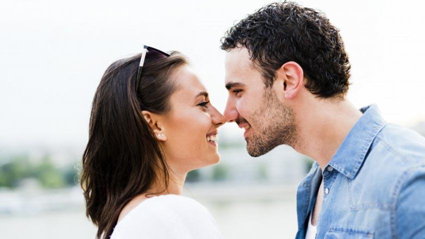 Ý nghĩa thực phía sau những kiểu hôn khác nhau -4