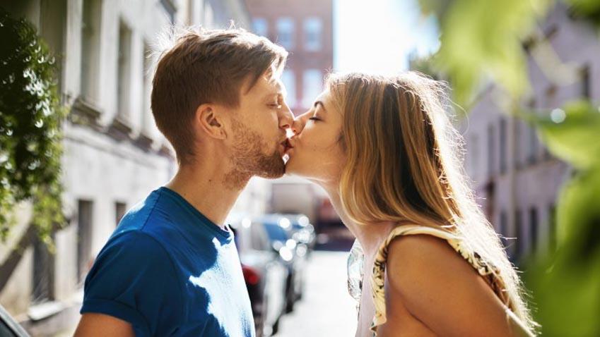 Ý nghĩa thực phía sau những kiểu hôn khác nhau -6