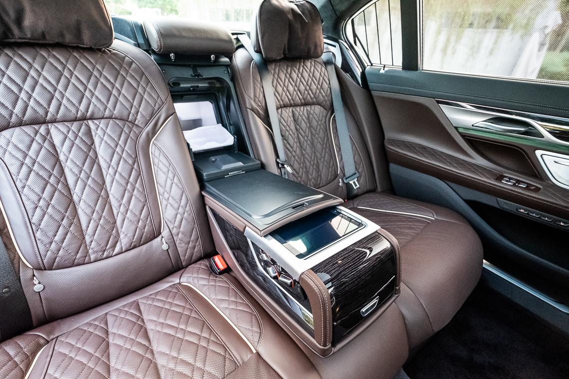 Chiếc sedan đầu bảng BMW Series 7 mới đã có mặt tại Việt Nam - 7