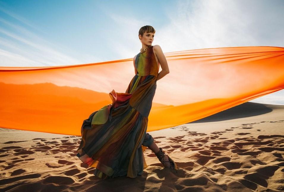 Bộ ảnh thời trang của tạp chí Elle tại Thung lũng chết - 11