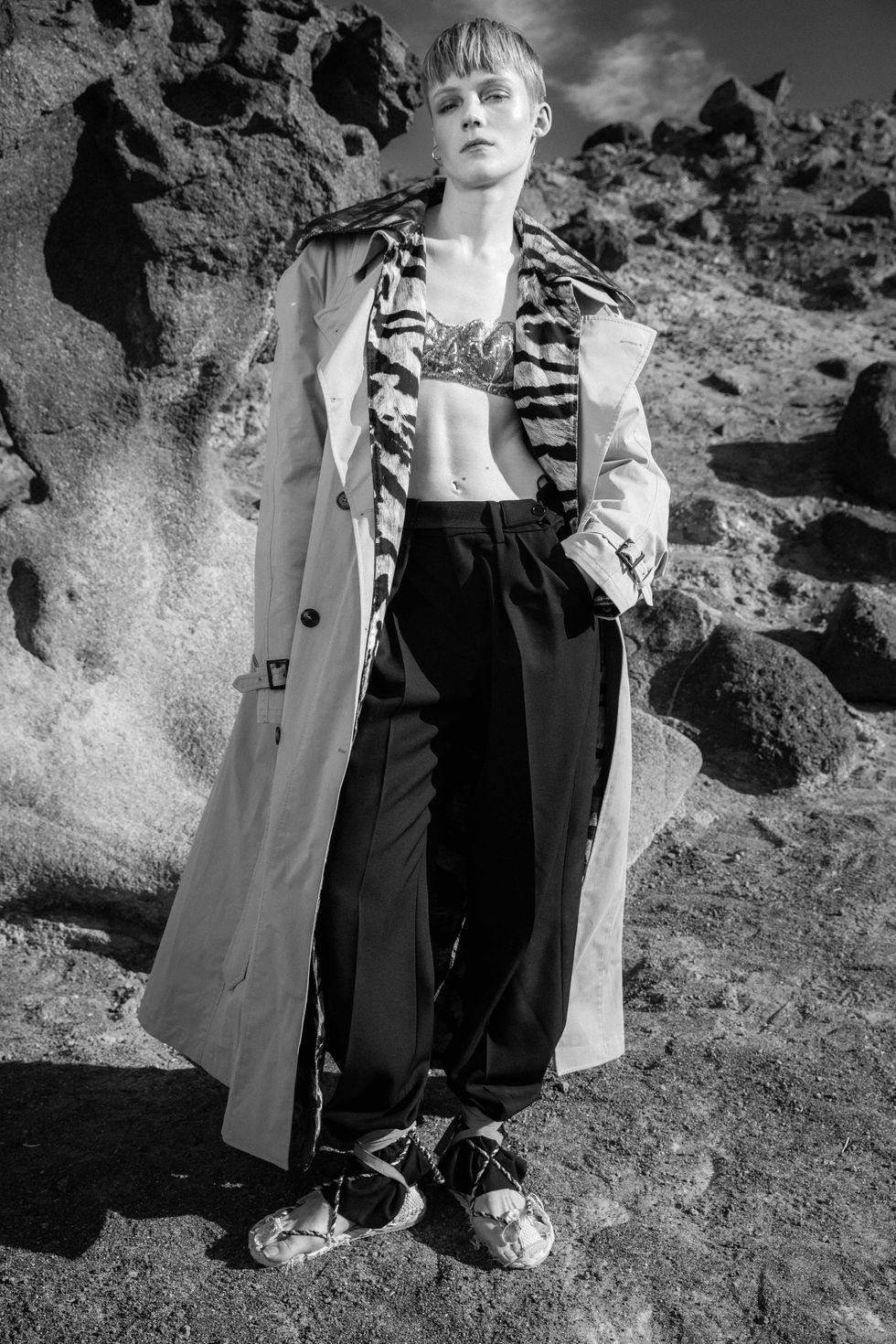 Bộ ảnh thời trang của tạp chí Elle tại Thung lũng chết - 3