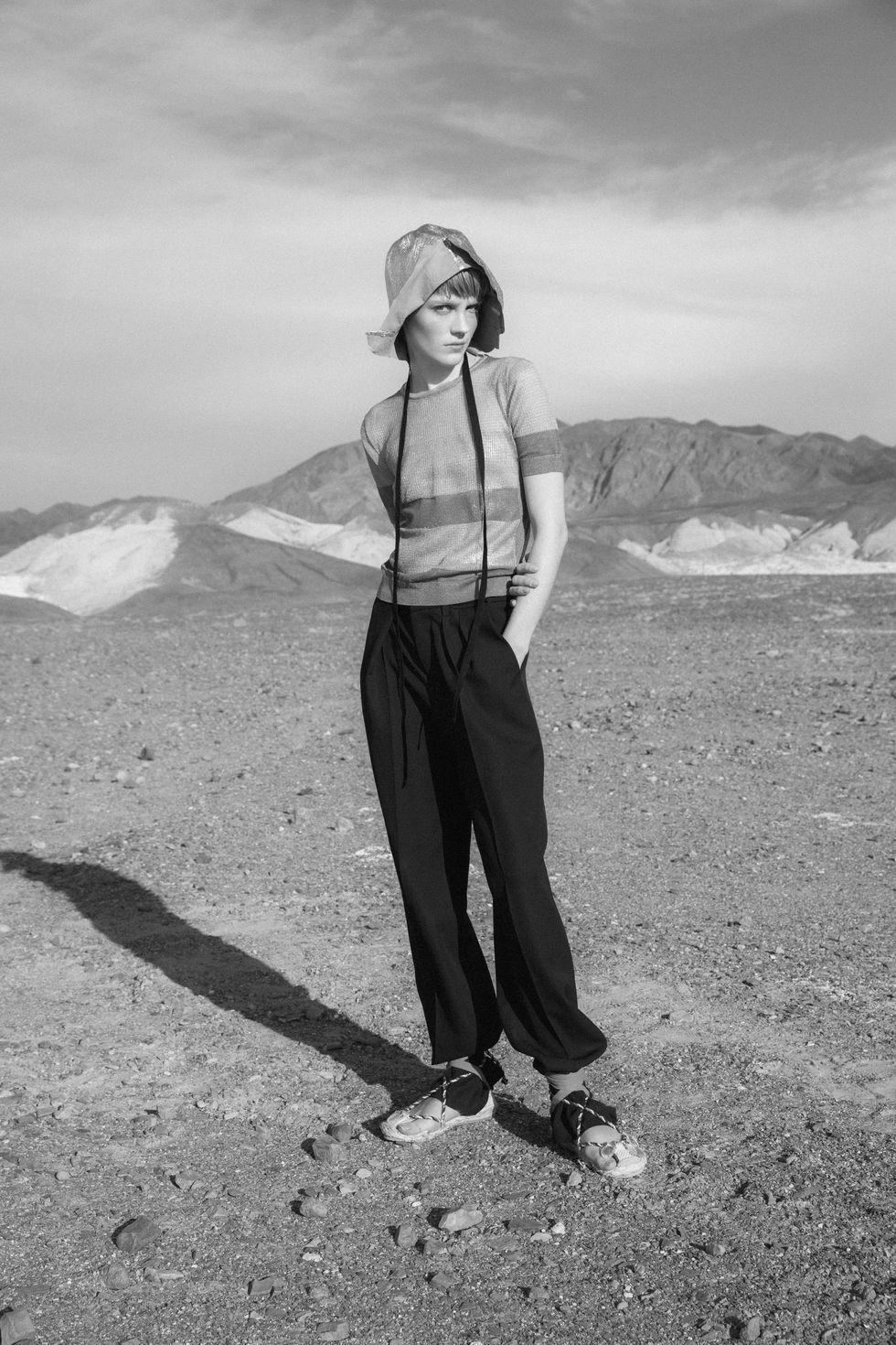 Bộ ảnh thời trang của tạp chí Elle tại Thung lũng chết - 6
