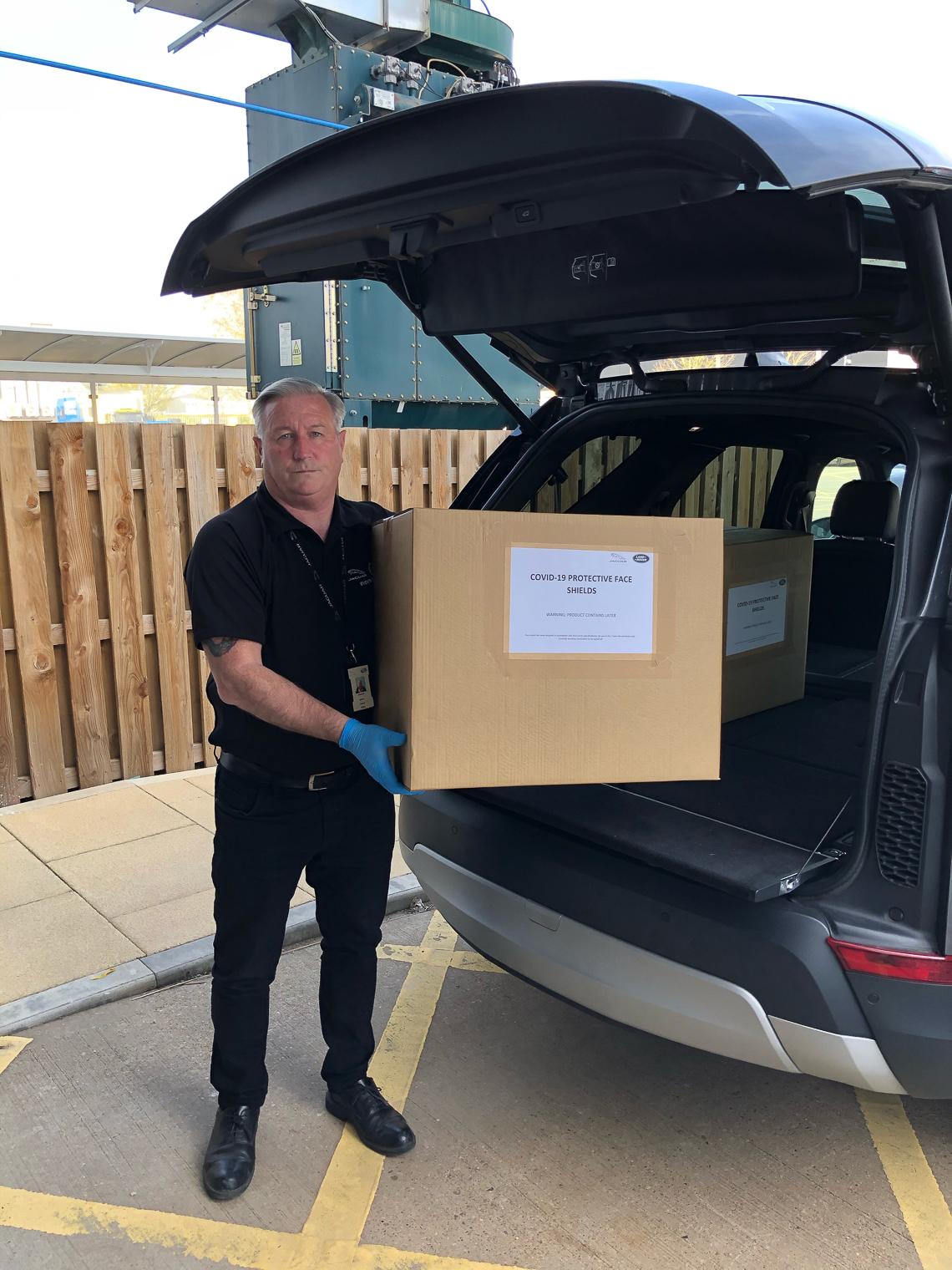 Jaguar và Land Rover góp sức chống dịch Virus Corona - 15