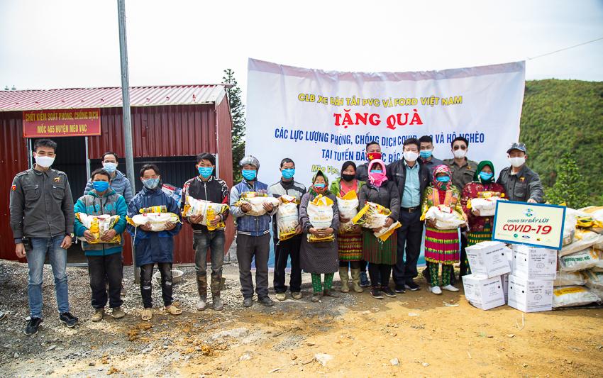 Ford Việt Nam tặng xe Transit cứu thương áp lực âm cho Bệnh viện Nhiệt đới Trung ương - 9