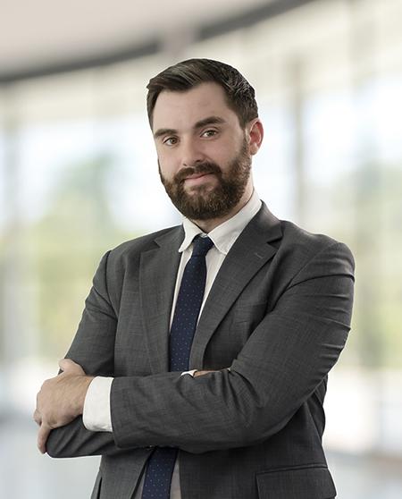 Ông John Campbell, Quản lý bộ phận BĐS Công nghiệp