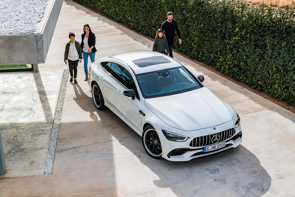Mercedes-AMG GT 53 4MATIC+ 4 cửa Coupe: Tốc độ có bao giờ gợi cảm đến thế! - 7
