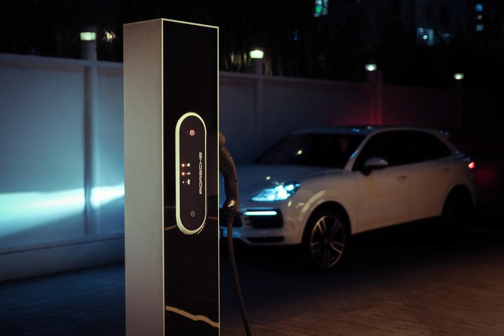 Trạm sạc công suất cao tối đa đạt 350kW tại Trung tâm Porsche Sài Gòn - 4