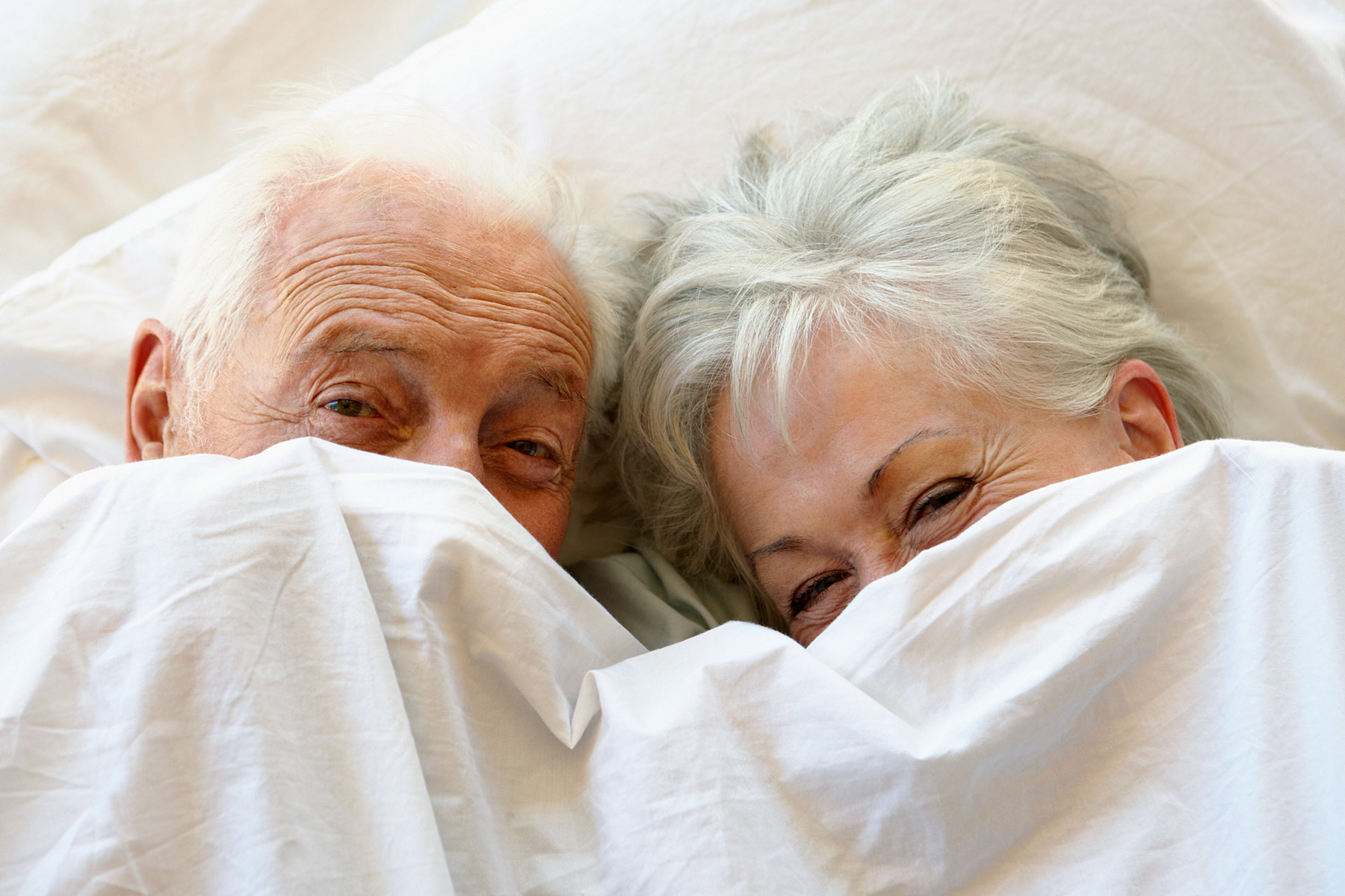 Các nhà khoa học nói gì về nhu cầu tình dục ở người cao tuổi?