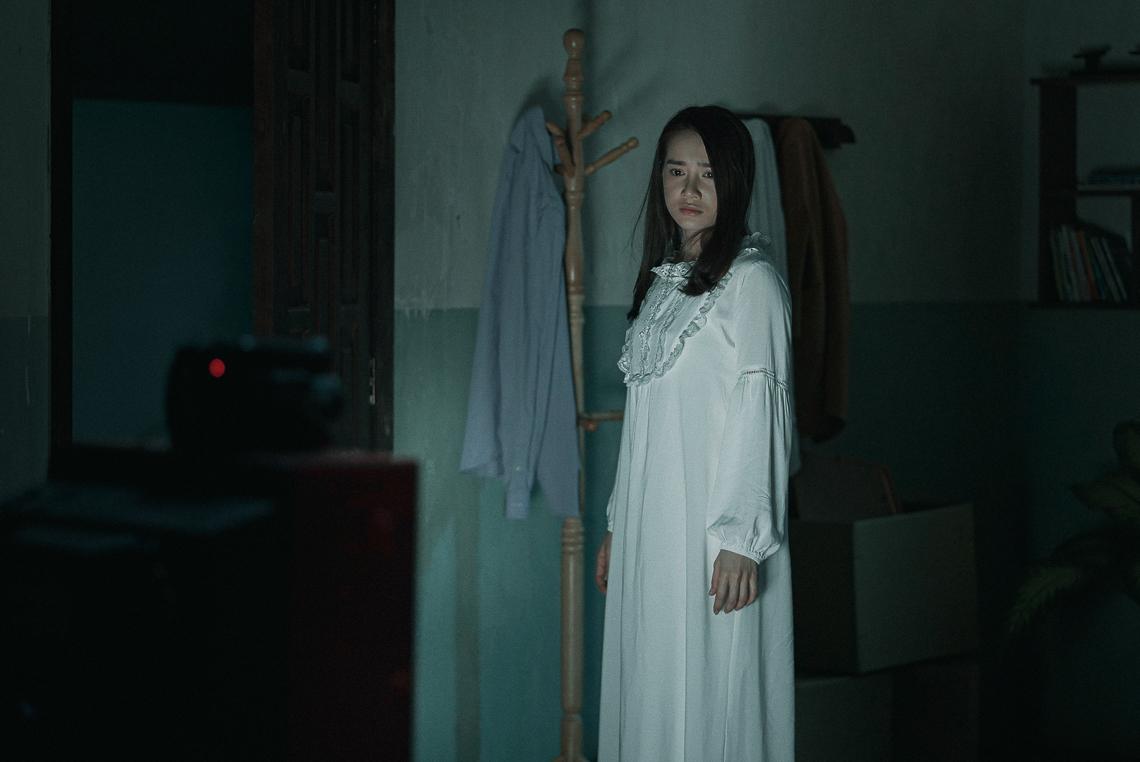 Nhã Phương tái xuất với vai diễn mới lạ và bí ẩn - 10