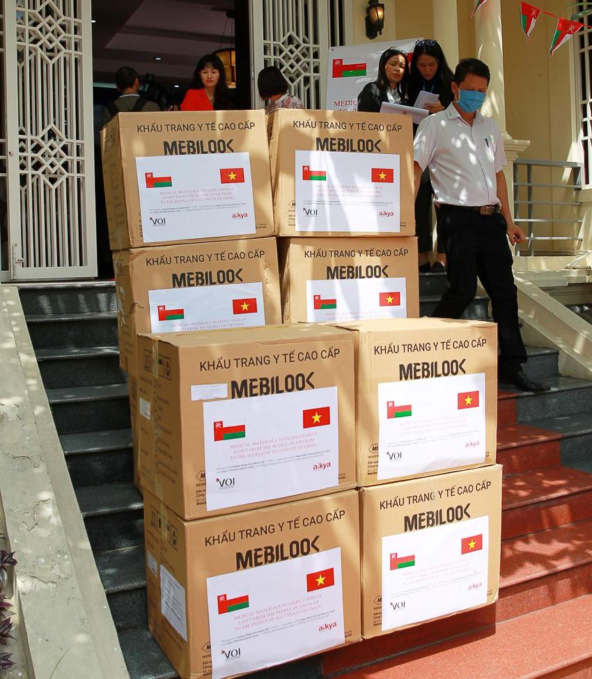 Lễ trao tặng vật tư y tế hỗ trợ Vương quốc, người dân Oman tại Hà Nội - 3