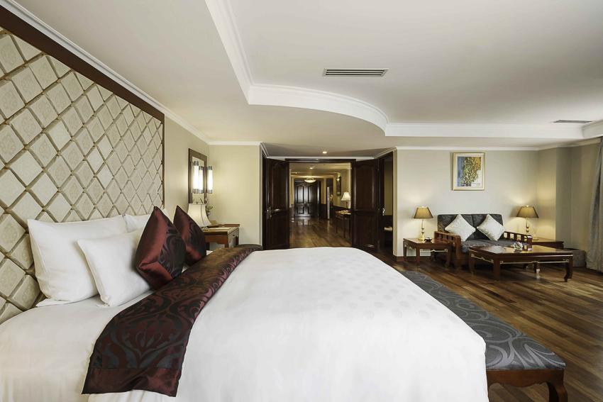 Ưu đãi hàng loạt các dịch vụ cao cấp tại Khách sạn 5 sao Rex Hotel Saigon - 1