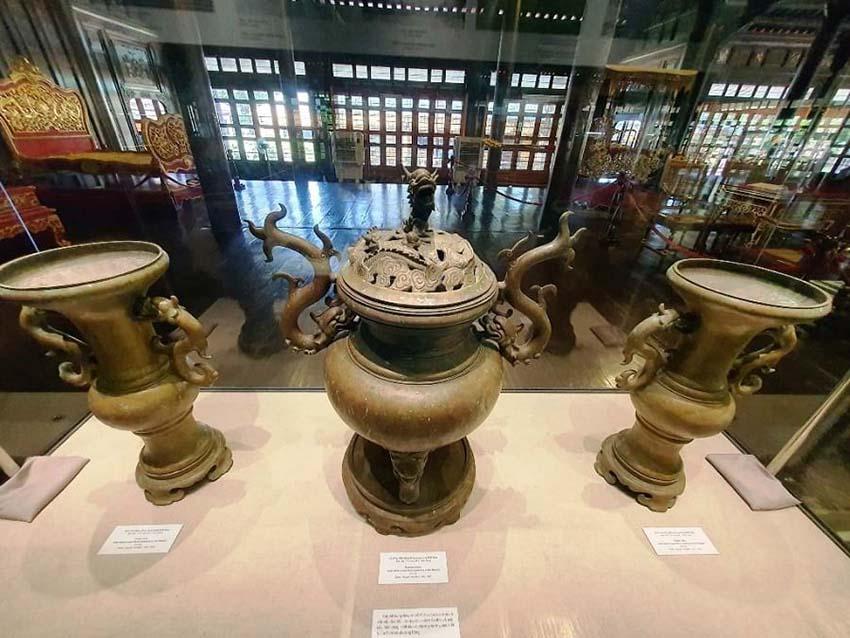 Huế mở triển lãm những hiện vật quý của hoàng đế Gia Long -3