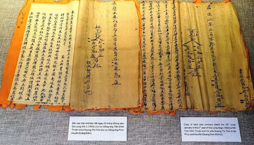 Huế mở triển lãm những hiện vật quý của hoàng đế Gia Long -7