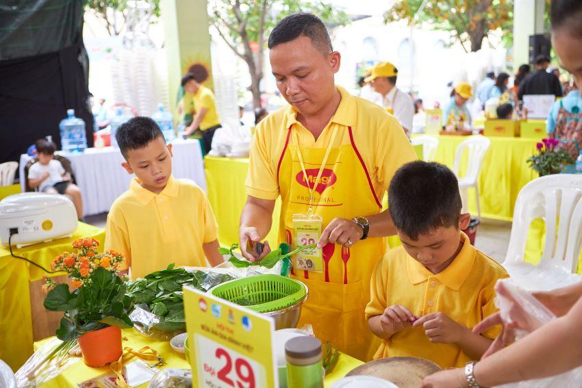 Bữa ăn gia đình Việt