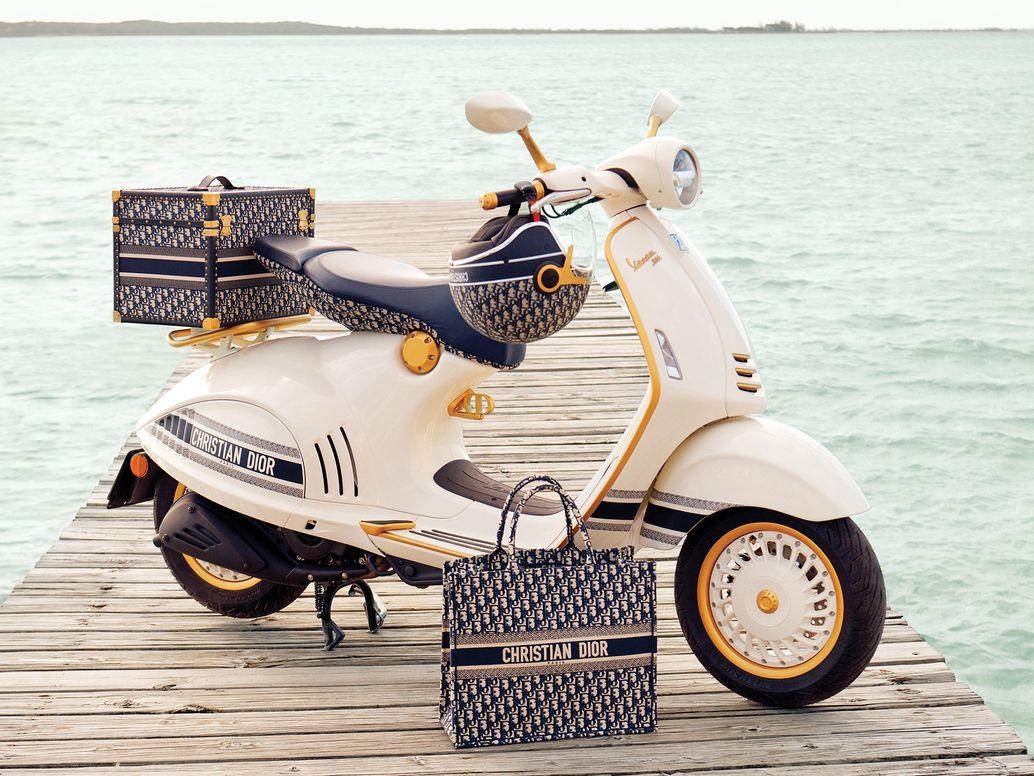 Chiếc xe Vespa 946 Christian Dior, biểu tượng mới của La Dolce Vita - 1