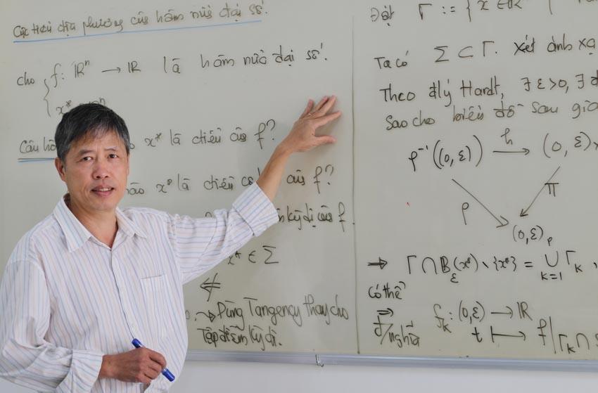 ''Cư sĩ'' toán học PGS-TS. Phạm Tiến Sơn -1