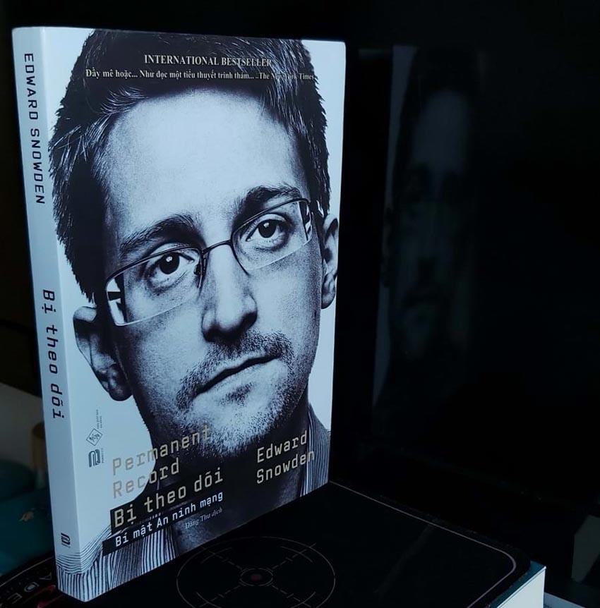 Cựu gián điệp CIA Edward Snowden: Chúng ta đã bị theo dõi như thế nào? -1