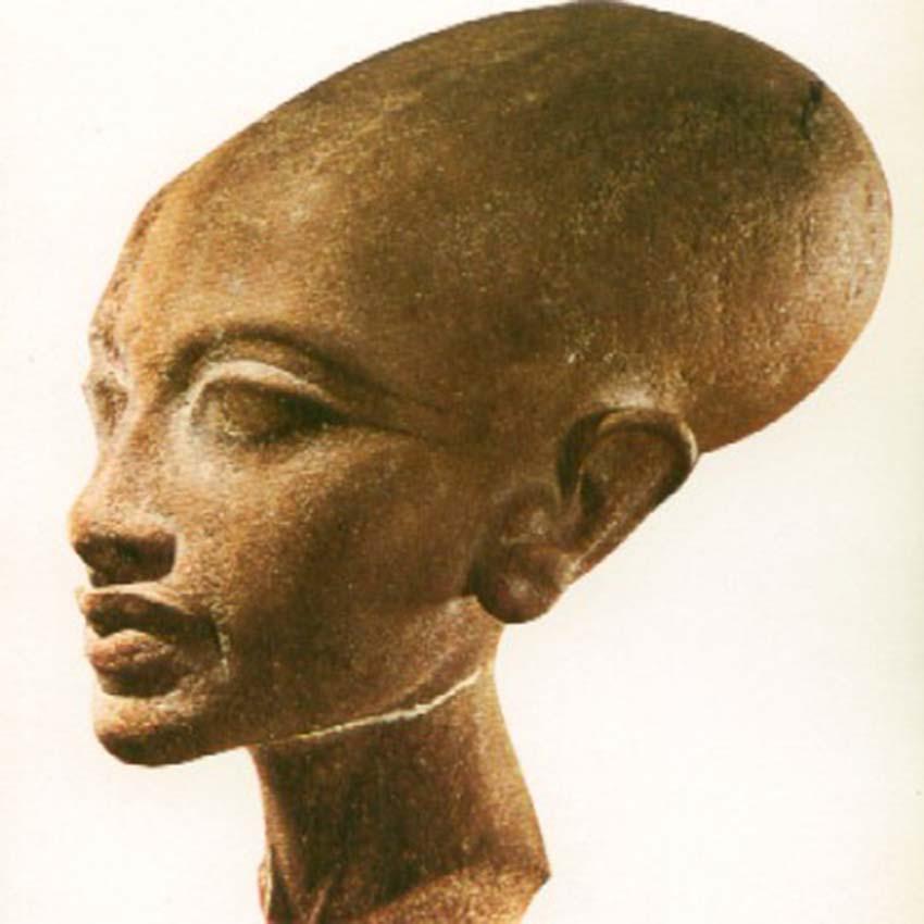Đằng sau đầu dài ngoẵng của người Mangbetu -3