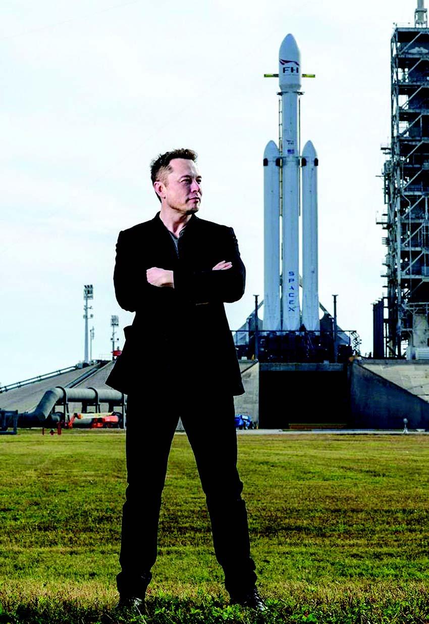 Elon Musk: Gã cuồng và 18 năm hướng về vũ trụ -1