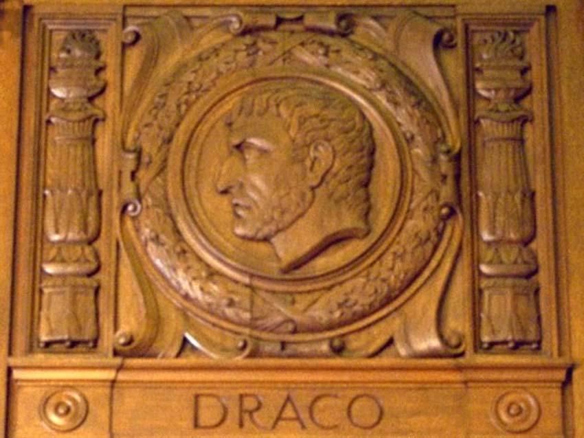 Những cái chết lãng xẹt của các nhân vật nổi tiếng ở Hy Lạp cổ đại -3