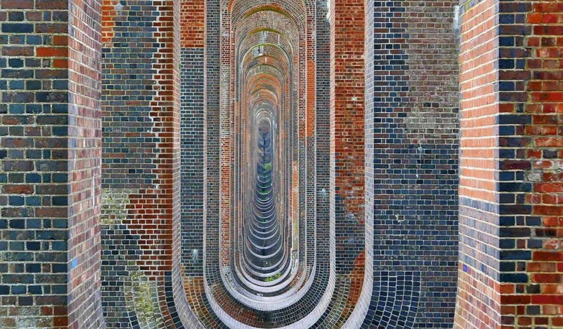 Vẻ đẹp của những cây cầu bằng gạch lớn nhất thế giới -3