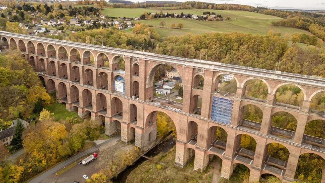 Vẻ đẹp của những cây cầu bằng gạch lớn nhất thế giới -6