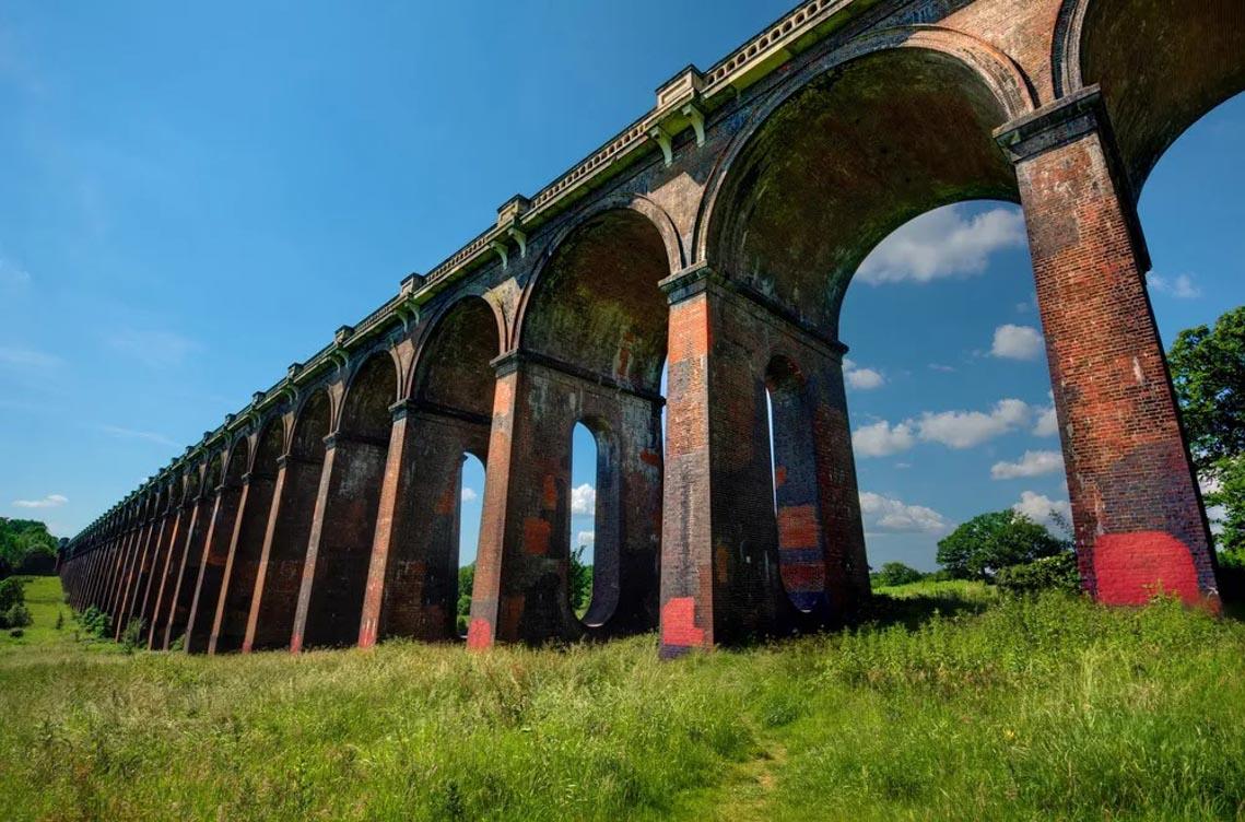 Vẻ đẹp của những cây cầu bằng gạch lớn nhất thế giới -8
