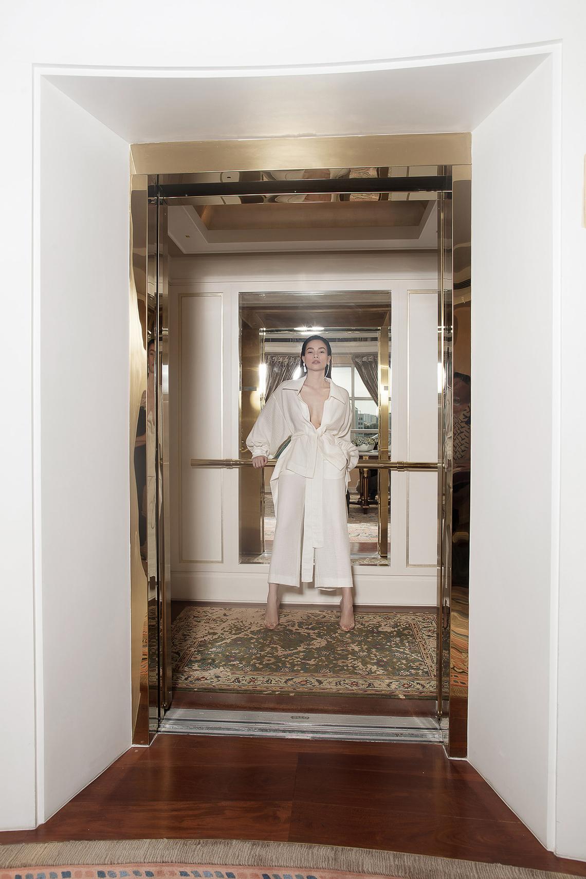 Bộ ảnh thời trang CONG TRI do Hà Hồ và Thanh Hằng lên Vogue Pháp - 1