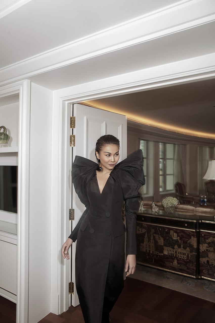 Bộ ảnh thời trang CONG TRI do Hà Hồ và Thanh Hằng lên Vogue Pháp - 8