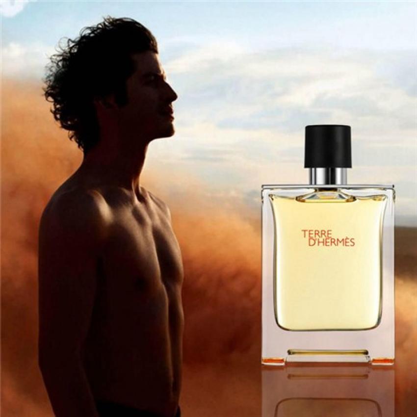 10 mùi hương quyến rũ nhất dành cho nam giới - Versace Man Eau Fraiche