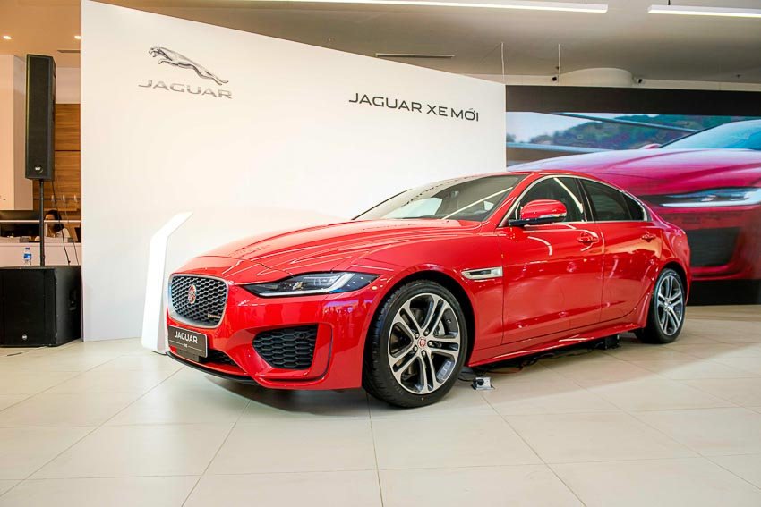 Jaguar Land Rover Việt Nam ra mắt xe Jaguar XE và Land Rover Discovery Sport mới - 39