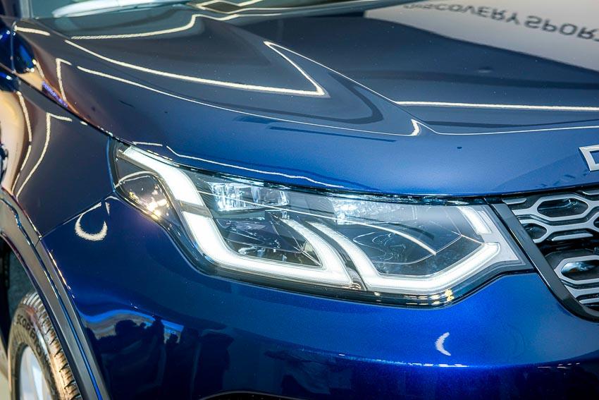 Jaguar Land Rover Việt Nam ra mắt xe Jaguar XE và Land Rover Discovery Sport mới - 42