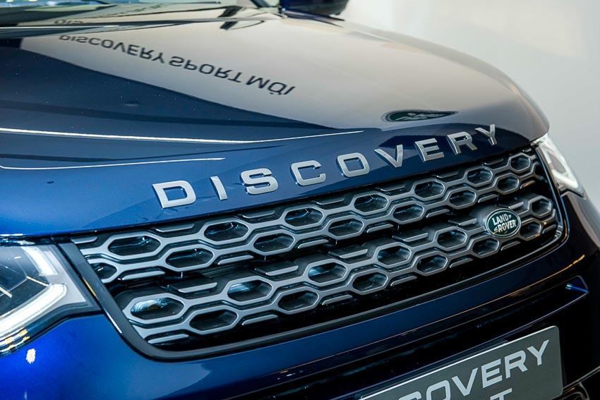 Jaguar Land Rover Việt Nam ra mắt xe Jaguar XE và Land Rover Discovery Sport mới - 43