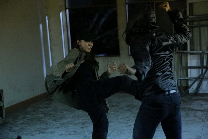 Minh Hằng lần đầu diễn cảnh hành động, hé lộ tên web drama đầu tay: Kẻ săn tin 03