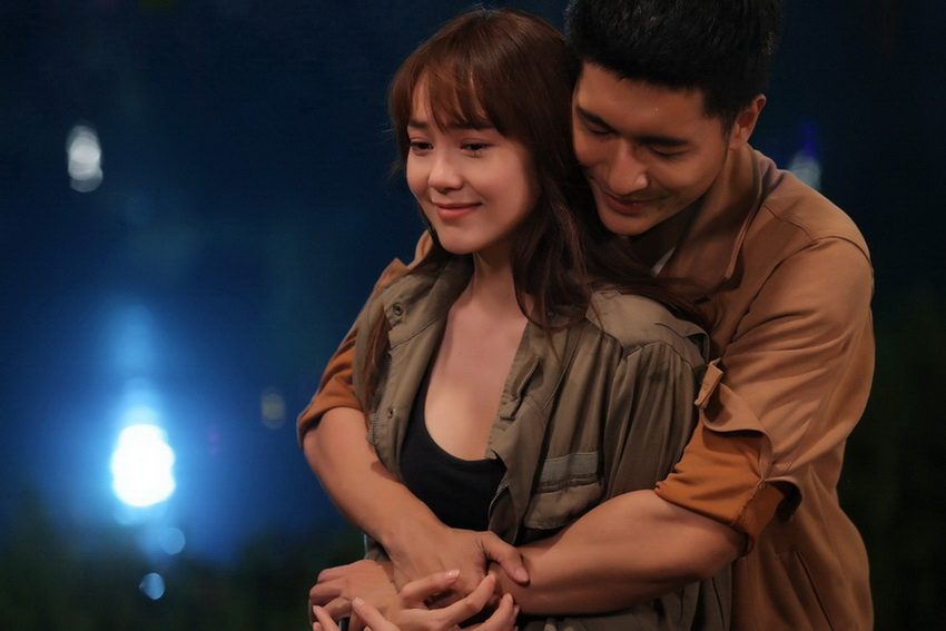 Minh Hằng lần đầu diễn cảnh hành động, hé lộ tên web drama đầu tay: Kẻ săn tin 04