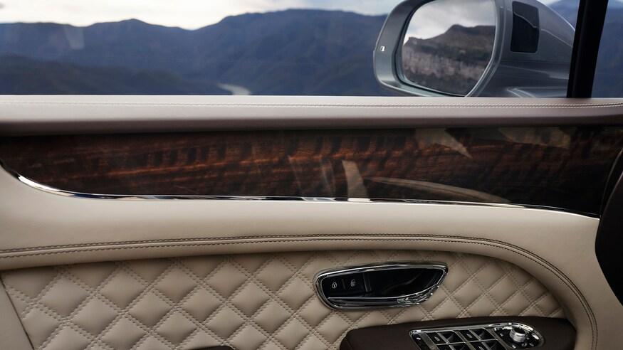 Bentley Bentayga 2021 - nâng cấp thiết kể và công nghệ - 11