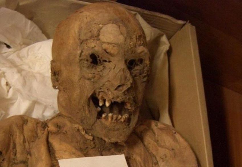 10 bí mật bị chôn vùi trong các hầm mộ -4