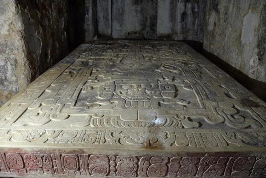 10 bí mật bị chôn vùi trong các hầm mộ -7