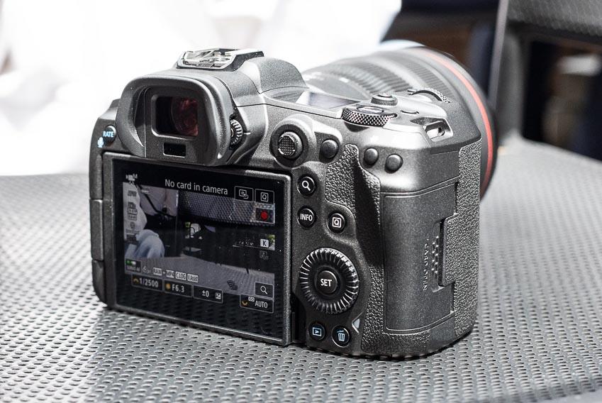 Trên tay bộ đôi máy ảnh Canon mirrorless full-frame EOS R5 và R6 tại Việt Nam - 16