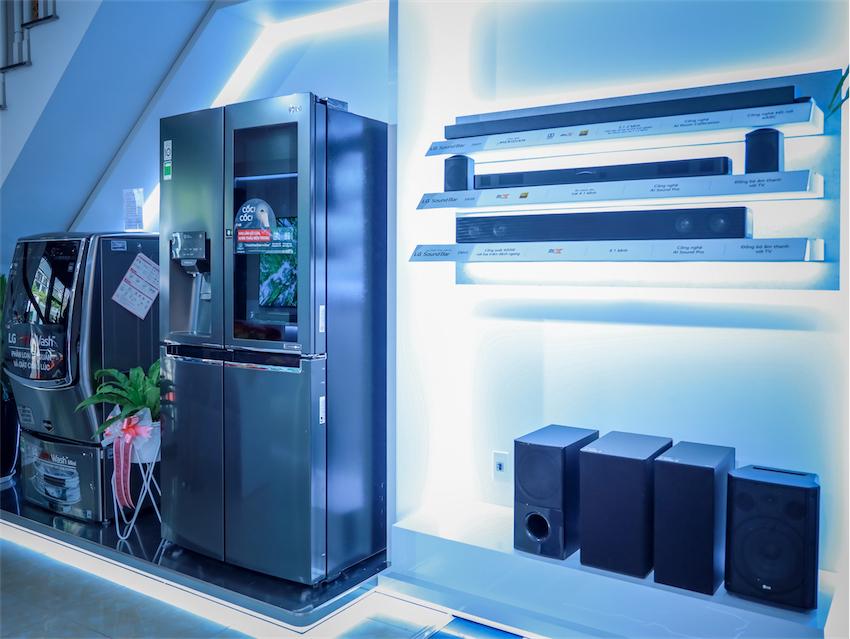 LG khai trương LG Premium Showroom – nơi trải nghiệm các thiết bị điện tử cao cấp nhất - 4